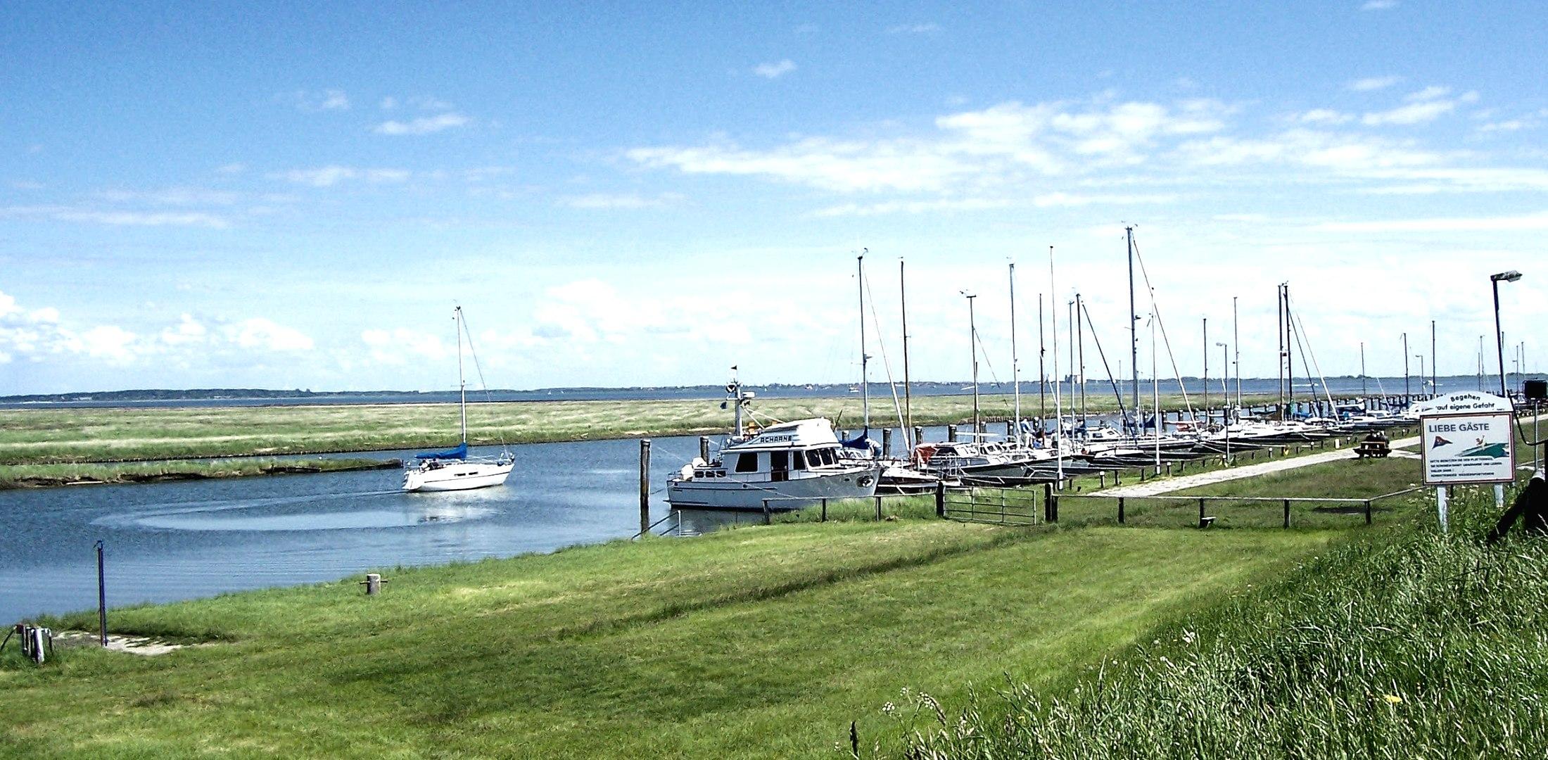 Süderhafen am Tag, © Nordstrand Tourismus