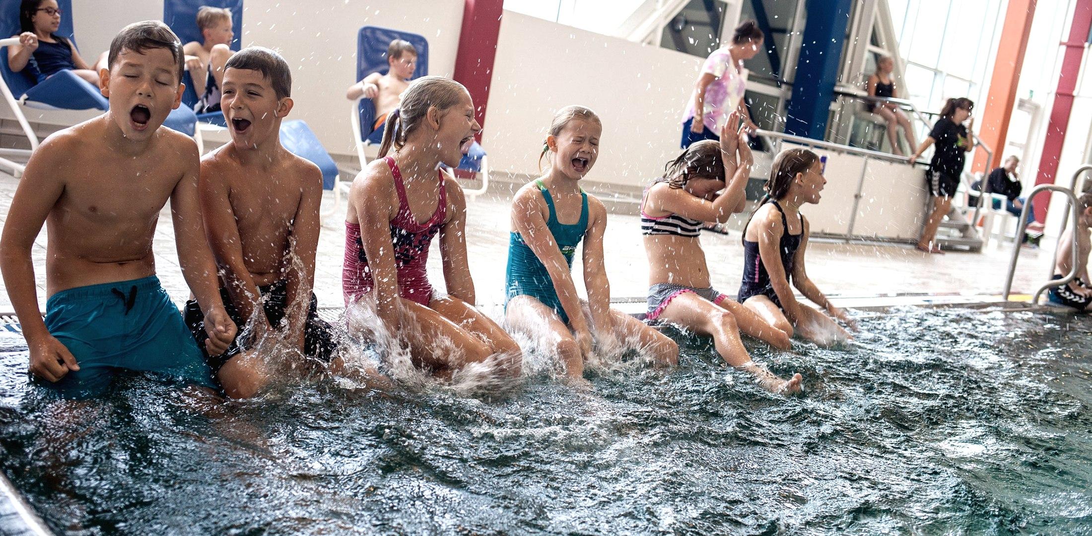 Kinderschwimmen am Becken, © Nordstrand Tourismus