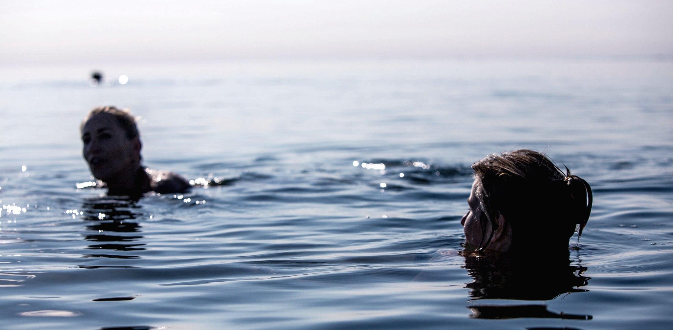 Baden im Meer, © Claudio Reimann