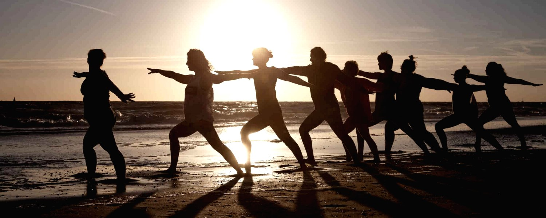 Yoga 2, © Shutterstock